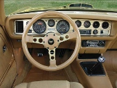 picture of Pontiac Trans-Am, 1978, gold interior, stick-shift